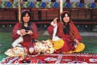 Ghashghayi_Ashayer_Tribe_Woman_Carpet